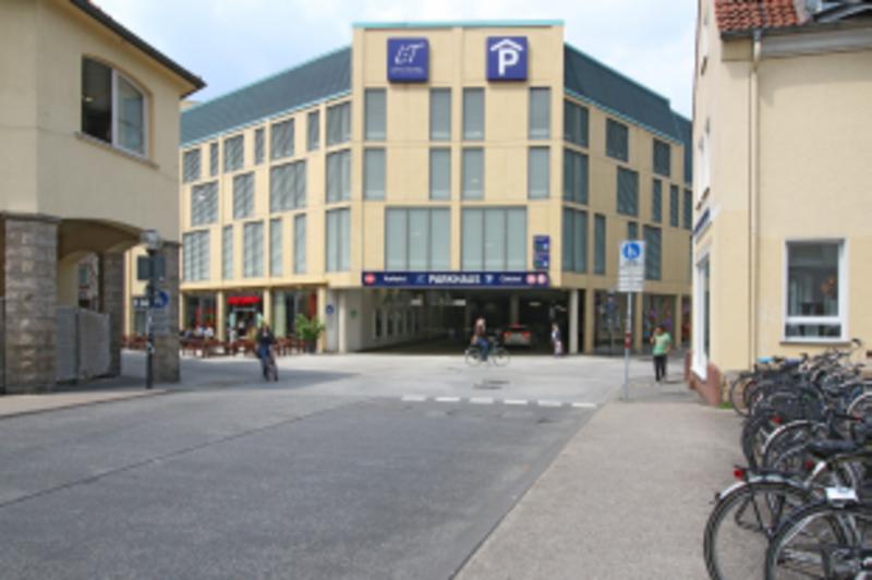 Lengermann+Trieschmann-Parkhaus Oben